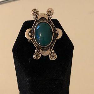 Beautiful mid century 925 silver green onyx ring